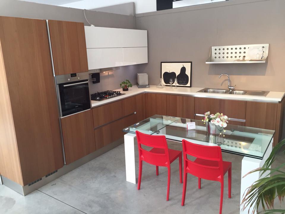 Negozi di arredamento arredamenti zona giorno with negozi for Sepa arredamenti cucine